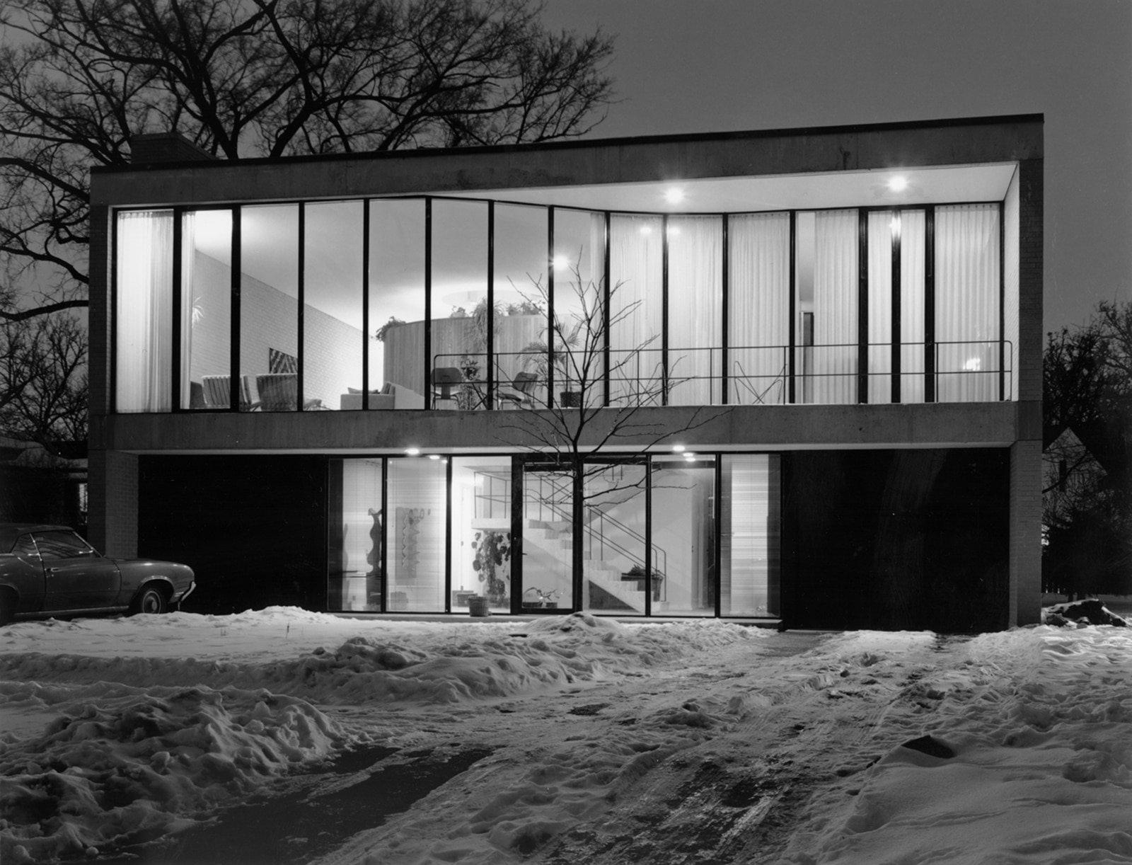 7 Freeark Residence 1975